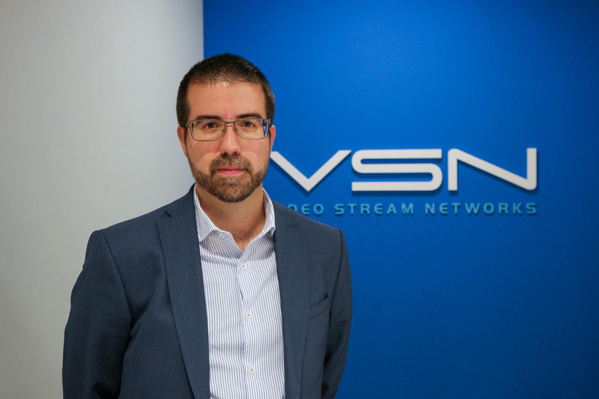 Álvaro Montalbán en las oficinas centrales de VSN