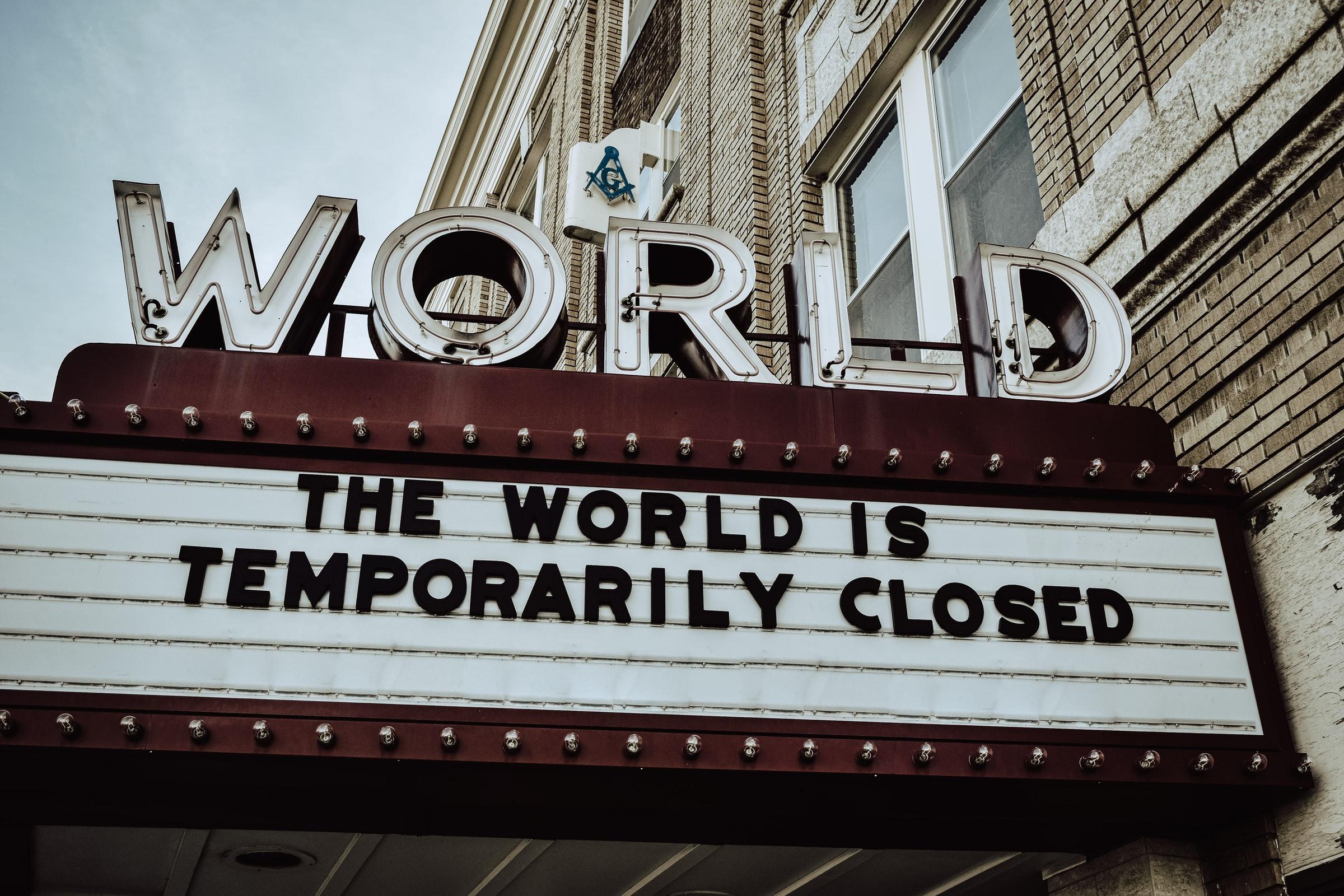 Cine World cerrado vacío de contenido World cinema closed no content
